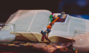 Por que setembro é celebrado a Bíblia?